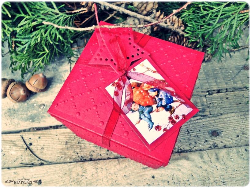 Bombka choinkowa w pudełku Gil w czapeczce 1