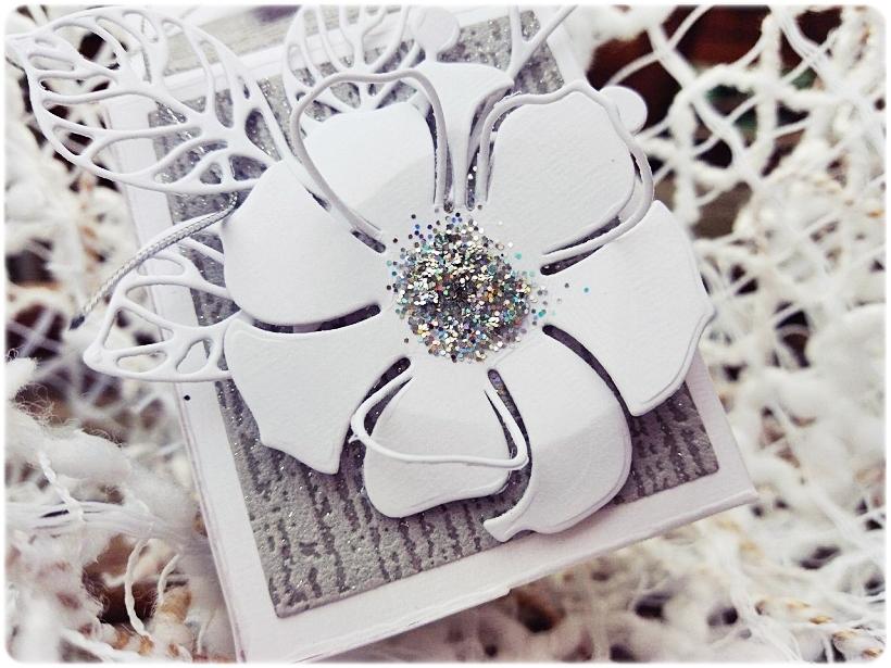 Podziękowania dla gości White Flower 3
