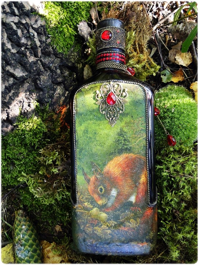 Butelka biżuteryjna Wiewiórka 1