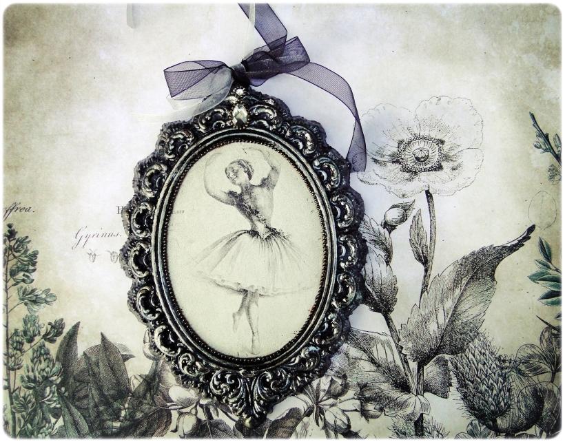 Gipsowa ramka z obrazkiem Baletnica 1