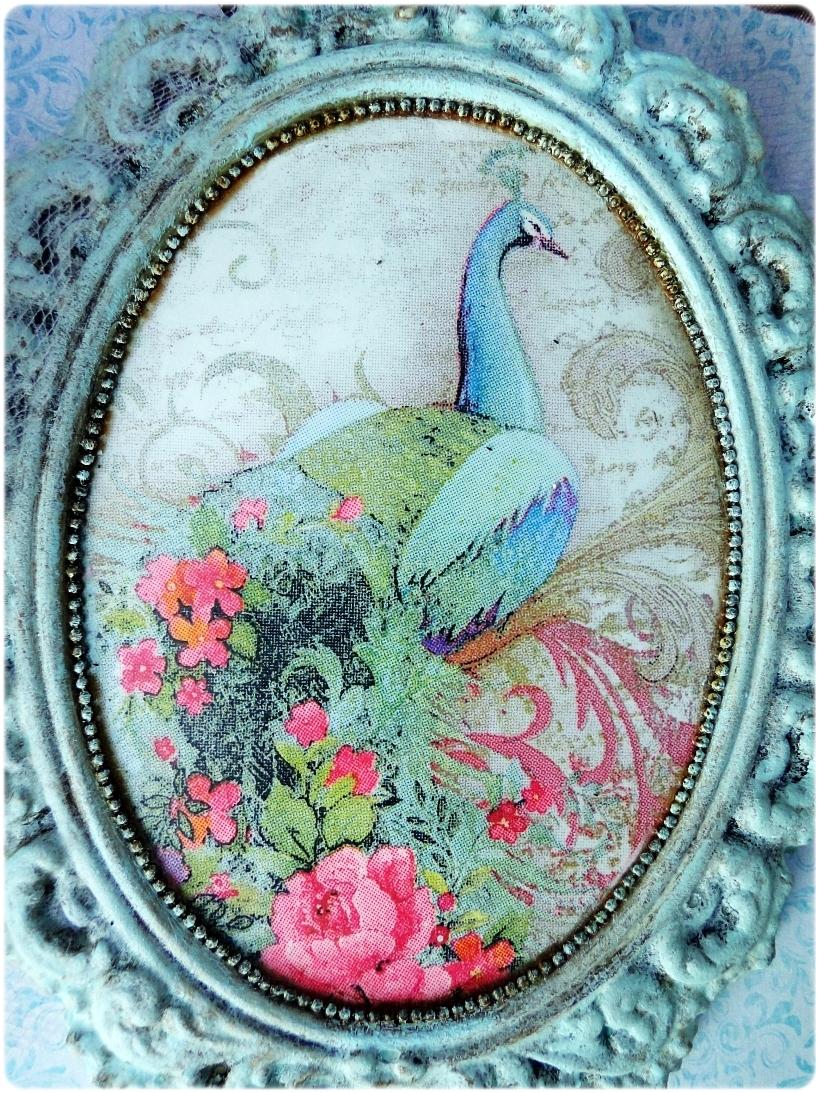 Gipsowa ramka z obrazkiem Paw 3