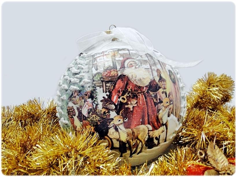 Szklana bombka z okienkiem Mikołaj i Renifery 1