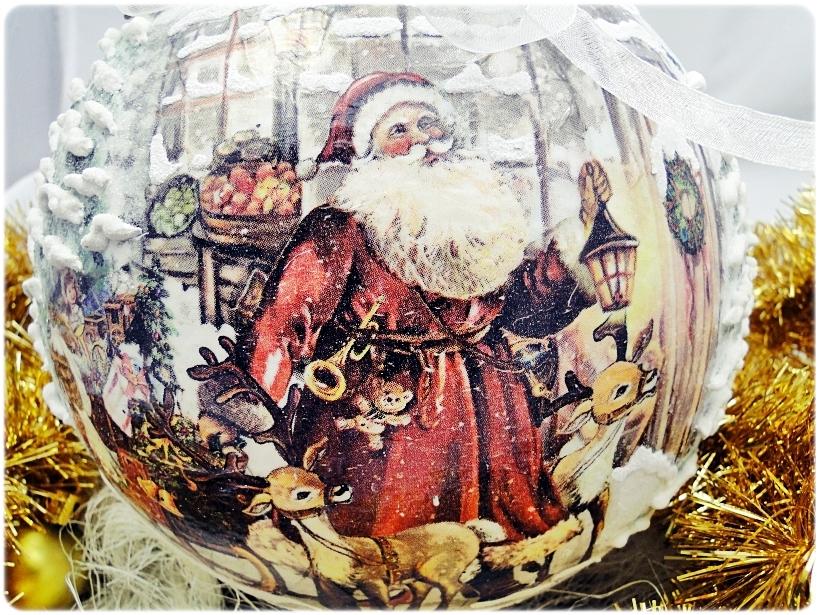 Szklana bombka z okienkiem Mikołaj i Renifery 2
