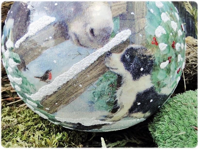 Szklana bombka z okienkiem Piesek, Osiołek i Renifer 2