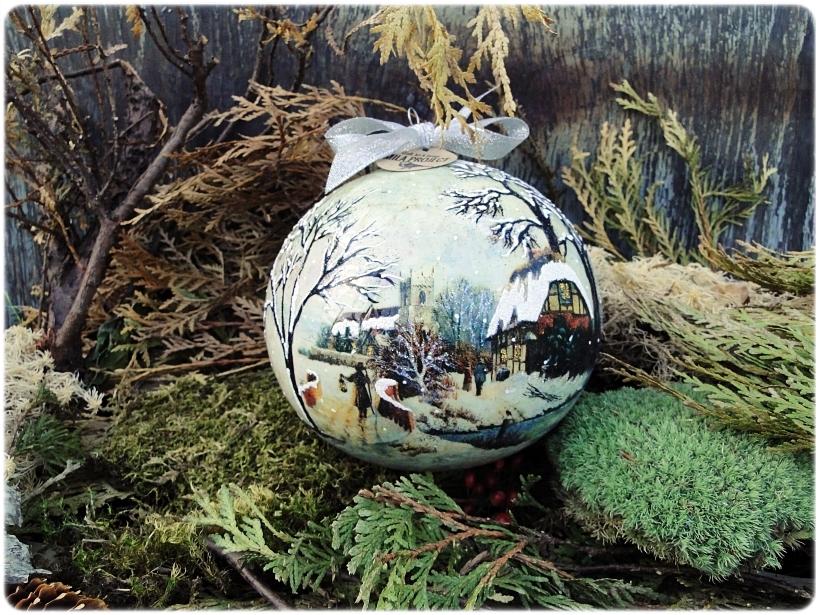 Szklana bombka z okienkiem Zimowa wioska 1