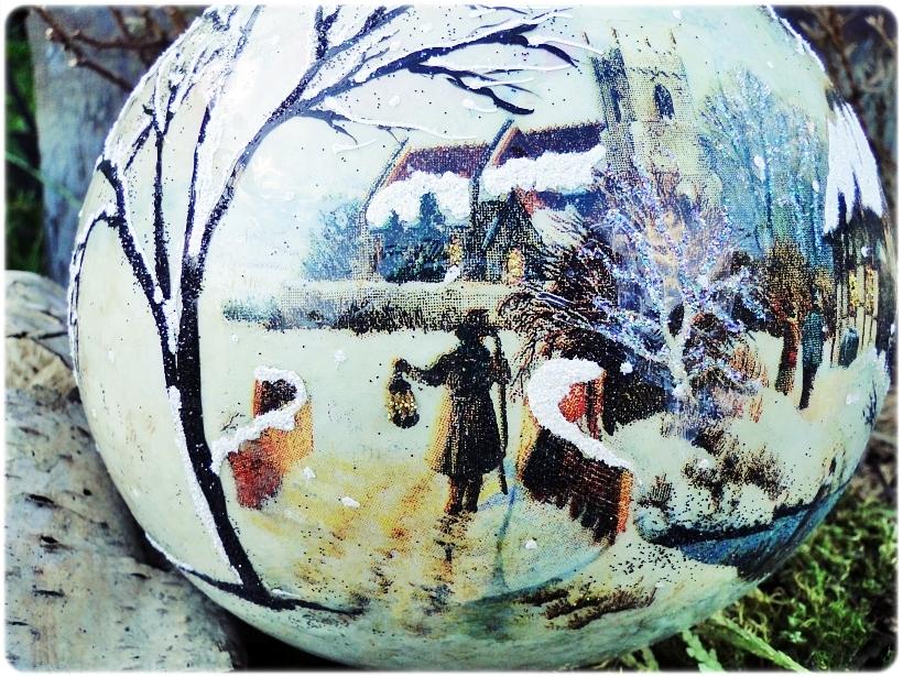 Szklana bombka z okienkiem Zimowa wioska 2