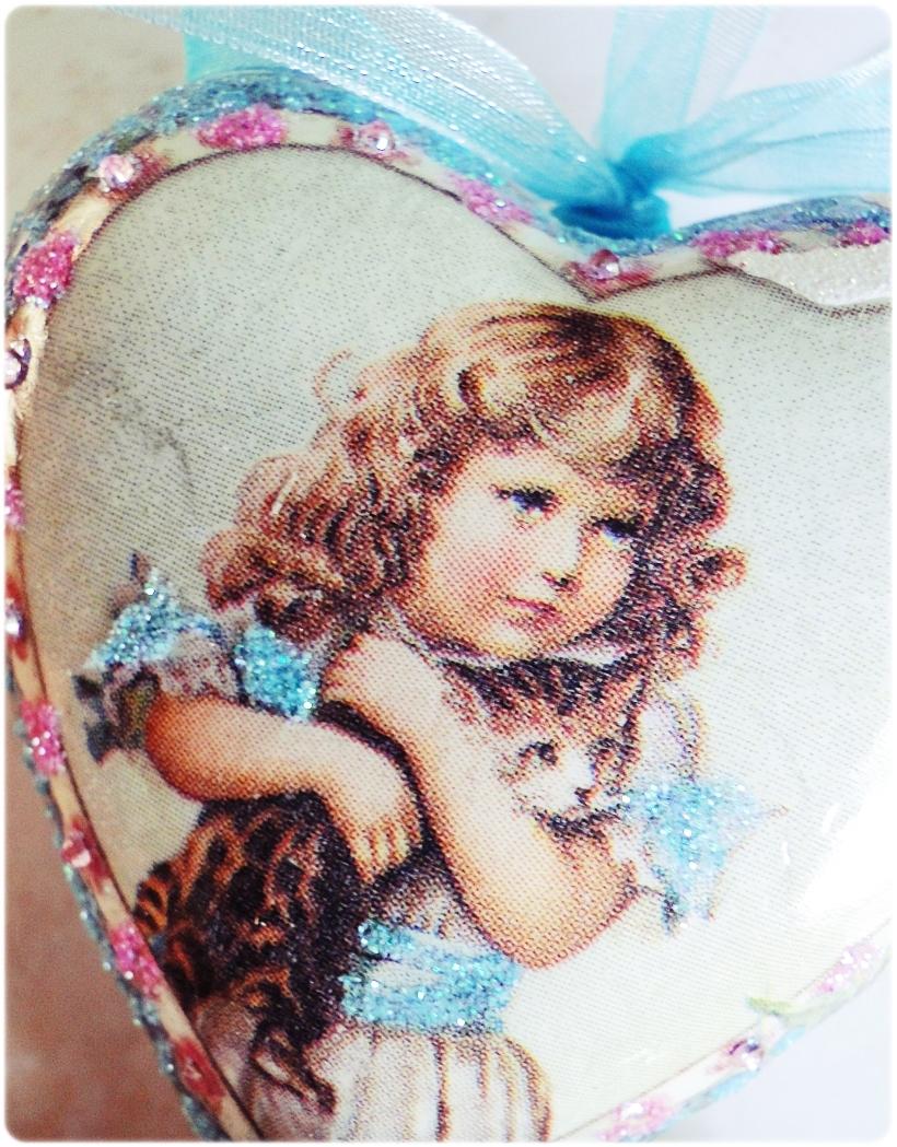 Bombka medalion Dziewczynka z Kotem 2