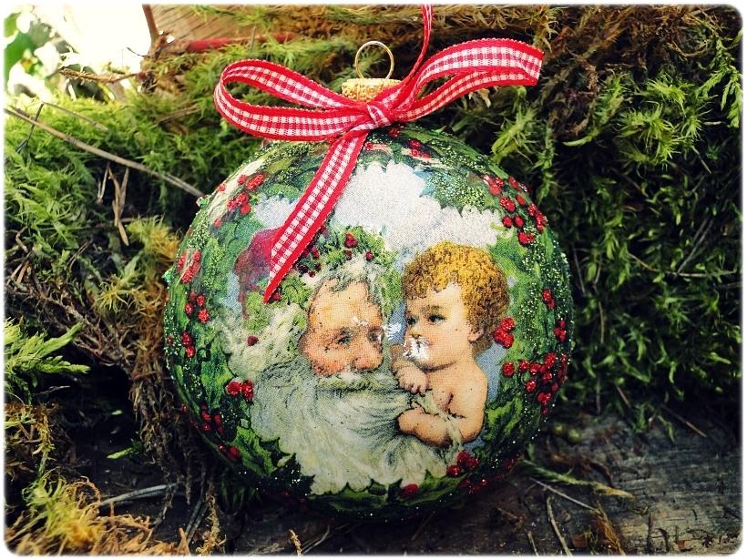 Bombka medalion Mikołaj i chłopczyk 1