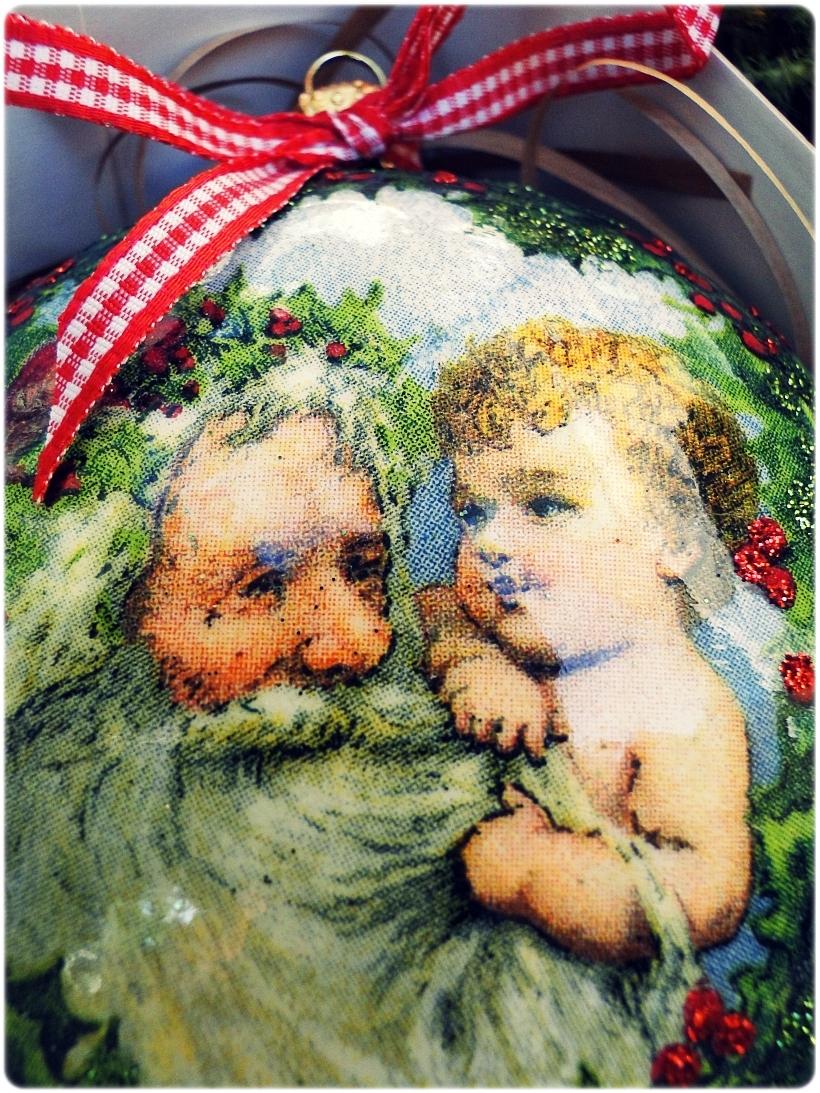Bombka medalion Mikołaj i chłopczyk 2