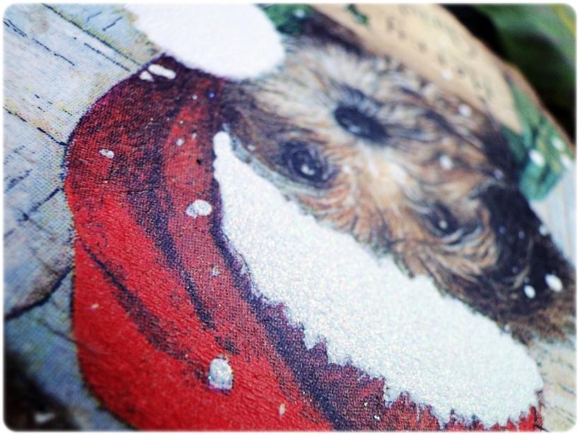 Dekoracja świąteczna na drewnie brzozowym Piesek 2