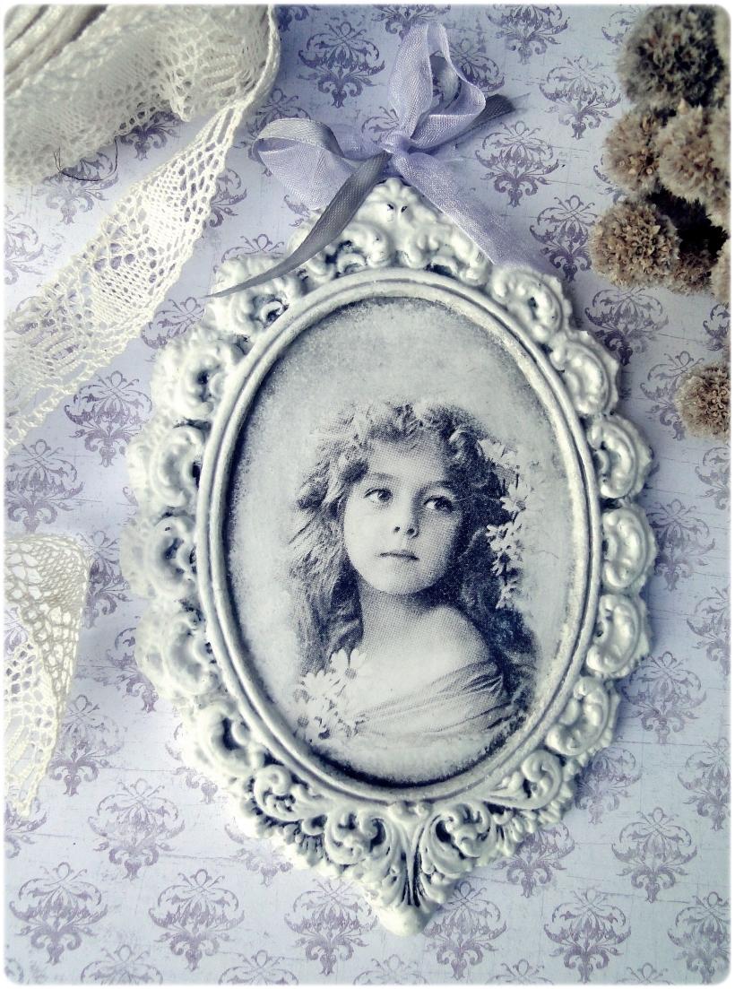 Gipsowa ramka z obrazkiem Vintage girl 1