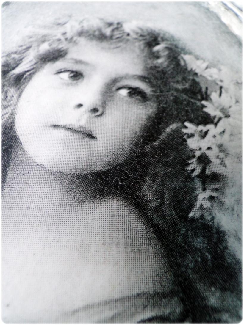 Gipsowa ramka z obrazkiem Vintage girl 3