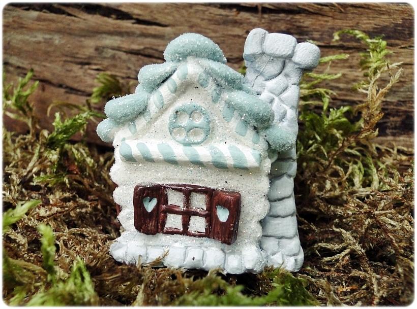 Figurka gipsowa Domek z piernika 11