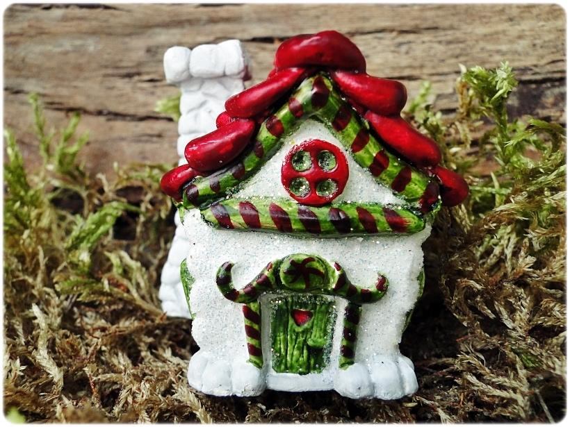 Figurka gipsowa Domek z piernika 12