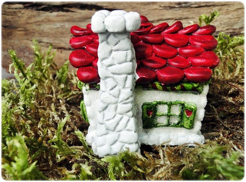 Figurka gipsowa Domek z piernika 13
