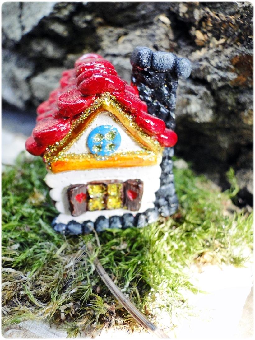 Figurka gipsowa Domek z piernika 17