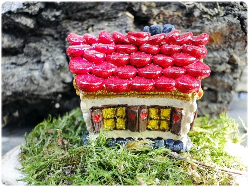 Figurka gipsowa Domek z piernika 18