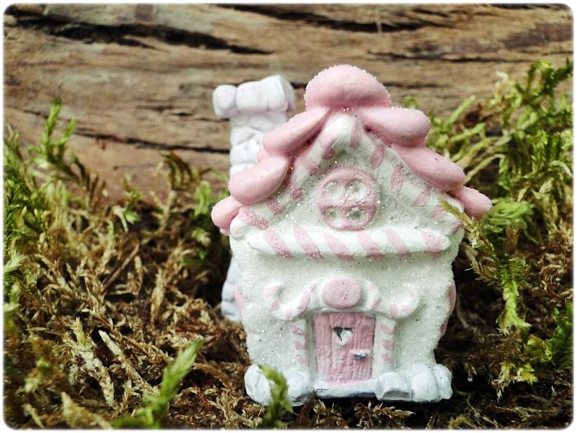 Figurka gipsowa Domek z piernika 2