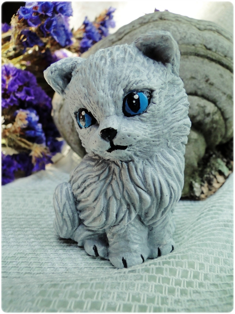 Figurka gipsowa Kotek 1