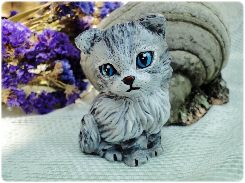 Figurka gipsowa Kotek 3