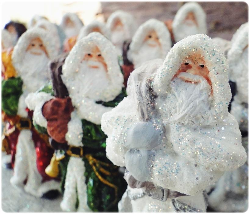 Figurka gipsowa Mikołaj 1