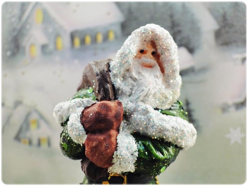 Figurka gipsowa Mikołaj 12