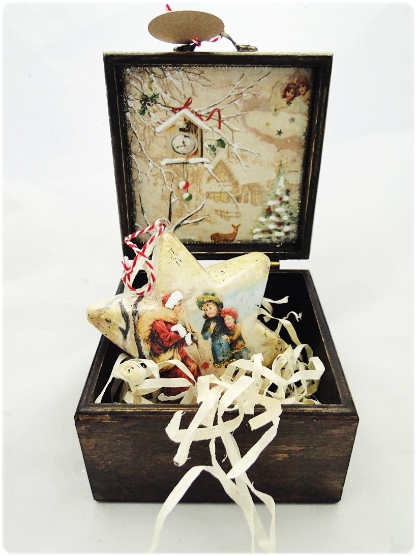 Bombka gwiazdka w drewnianym pudełku Spotkanie z Mikołajem 3