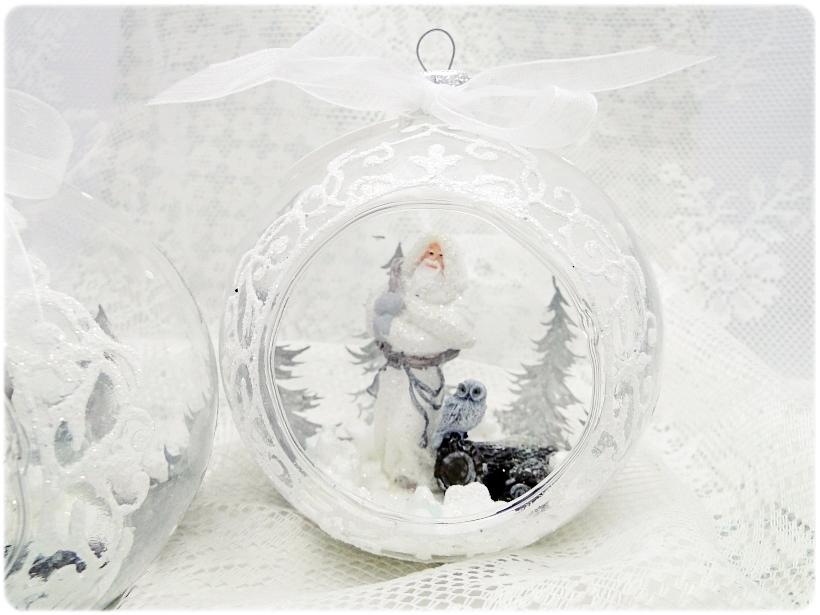 Bombka szklana z miniaturami Mikołaj i sowa 2