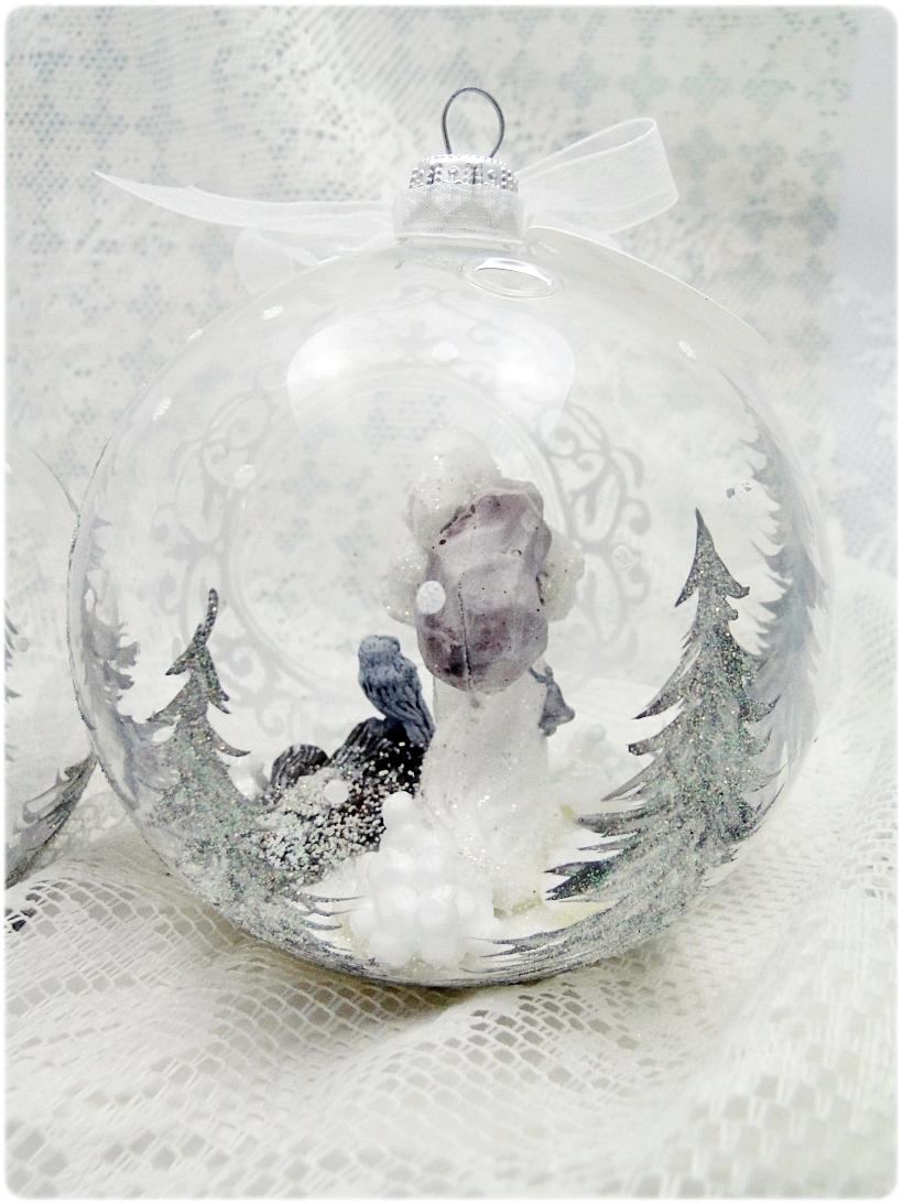 Bombka szklana z miniaturami Mikołaj i sowa 3
