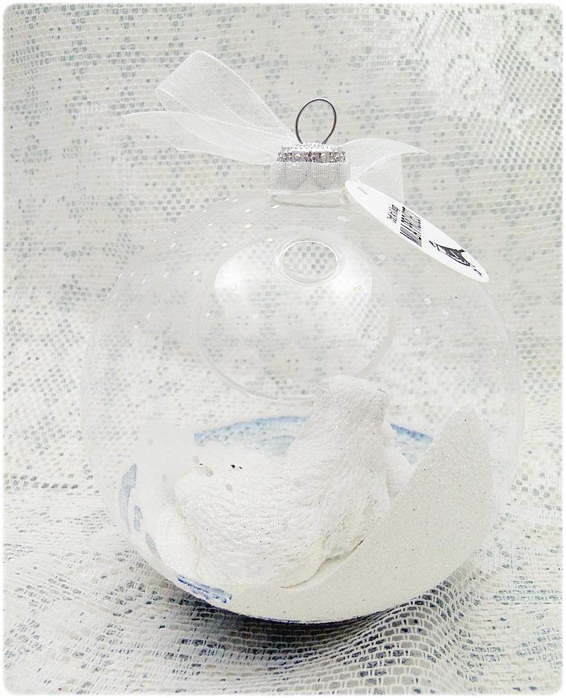 Bombka szklana z miniaturami Misie polarne 3